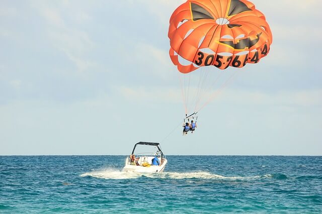 Do You Have to Wear a Bathing Suit to Parasail?
